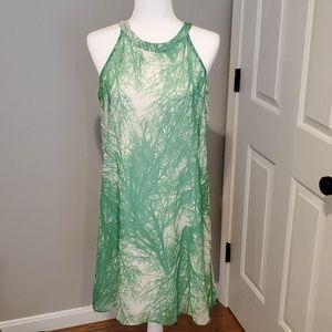 NWOT knee length dress 💚🤍